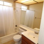 Full Hall Bath in 9085 Stone Canyon Rd, Corona, CA
