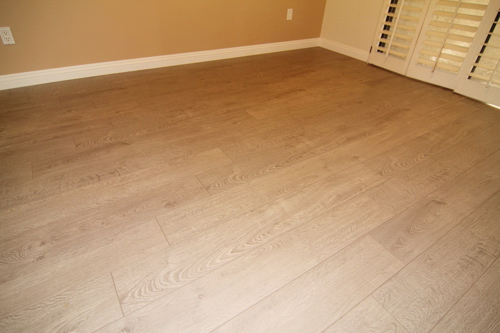 Flooring at 3000 Asscoated Rd. Unit 53