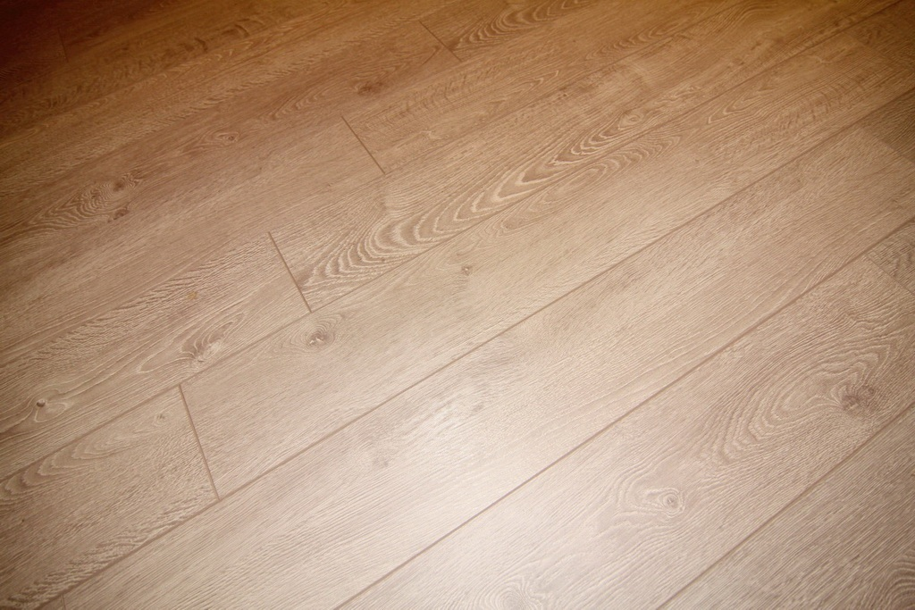 Close Up Of Flooring at 3000 Asscoated Rd. Unit 53