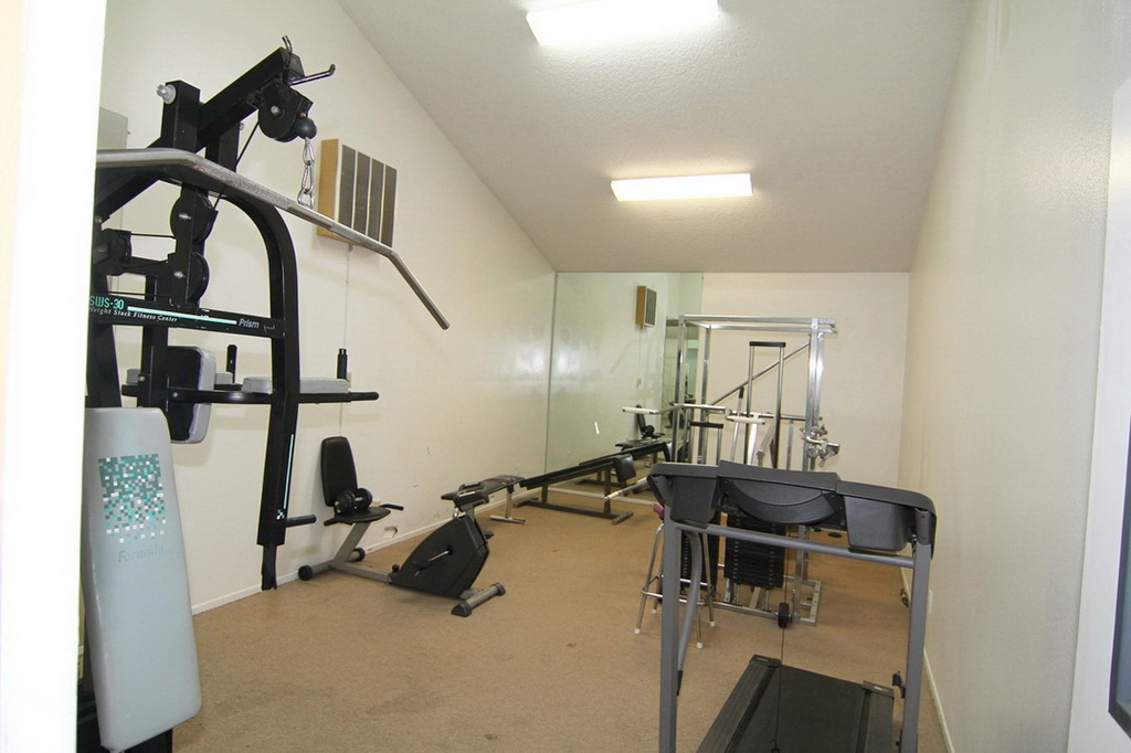 Community Gym at 3000 Asscoated Rd. Unit 53